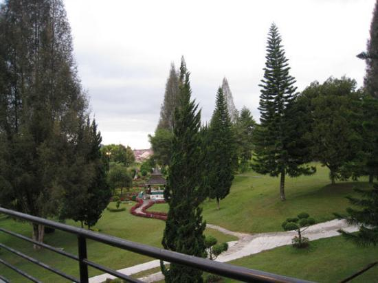 Berastagi, Indonesia: Grand Mutiara Hotel & Resort, Brastagi, Deli Serdang. View from room balcony