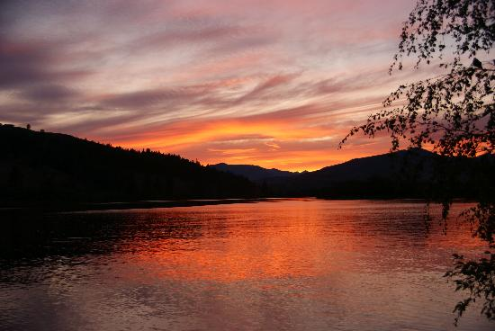 Winthrop, WA: Sunset on Pearrygin Lake