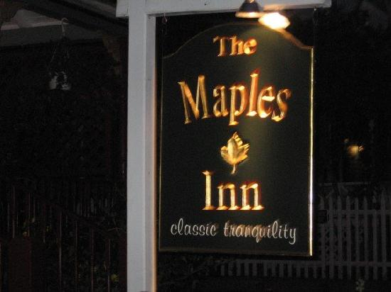 Maples Inn: sign
