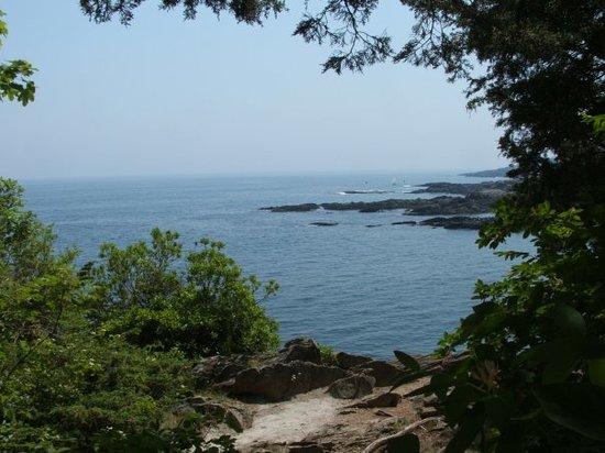 Ogunquit, ME: Another view from the Marginal Way.