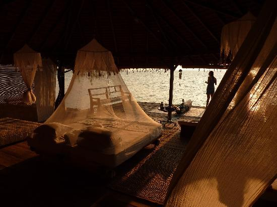 Pulau Macan Eco Resort Village: The Sunset Room