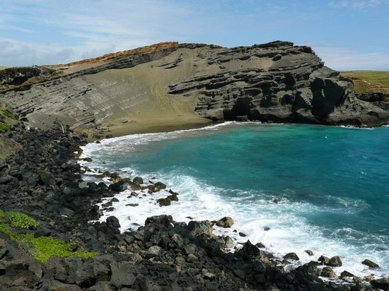 Kailua-Kona, Hawaï : The Green Sand Beach. An hour of hiking through 60kmph wind and sand to get to, but totally wort