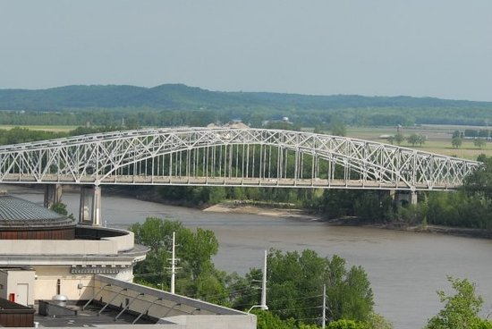Jefferson City, MO : The twin bridges. 
