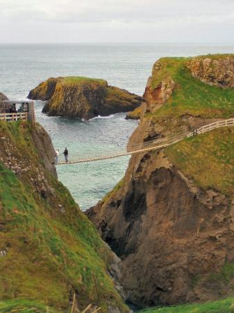 Irlande du Nord, UK : Carrick-a-rede rope bridge