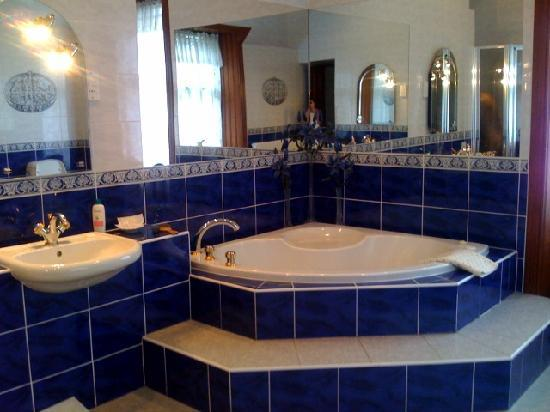Halifax Hotels With Jacuzzi In Room
