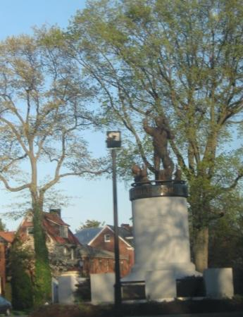 statue of arthur ashe on monument avenue: By a Facebook Member on Sep 2009