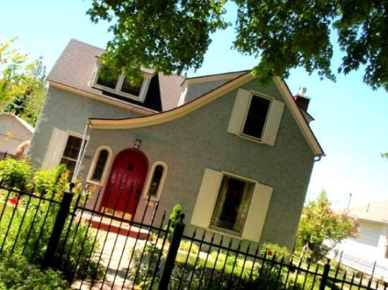 Gooding, ID: The little cute House I love in Twin Falls.