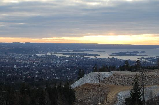 Soria Moria Hotel: View across Oslo from Holmenkollen at early morning