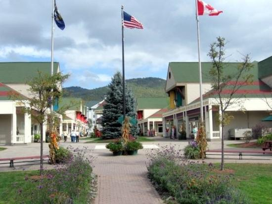 North Conway NH Outlets and Malls. Please check out some of the fine North Conway Outlet stores and Malls below and be sure to let them know that you found them on North Conway NH. com!!