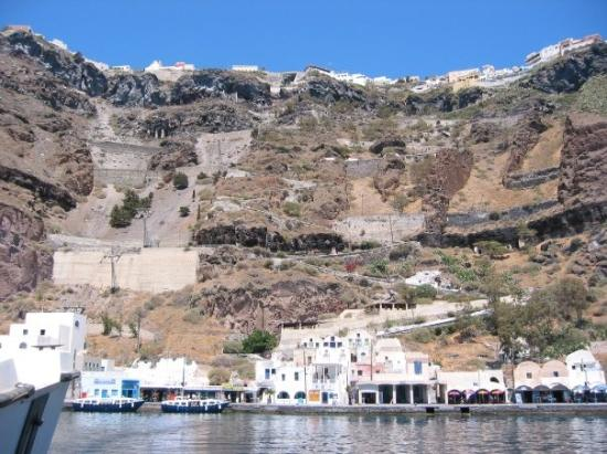 Fira, Grèce Picture taken from boat heading to the volcano - Photo de Fira, Santorin - TripAdvisor