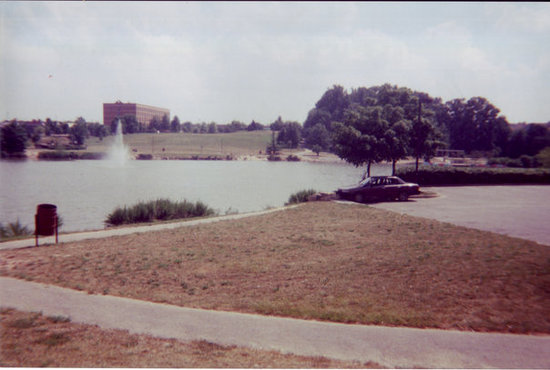 July 2001 (same day), the other end of Laurel Lakes. Notice that the angles in both pics are alm