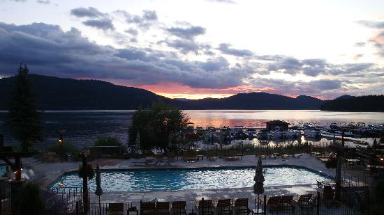 Lodge at Whitefish Lake: Sunset view from Bar looking on to Whitefilsh Lake