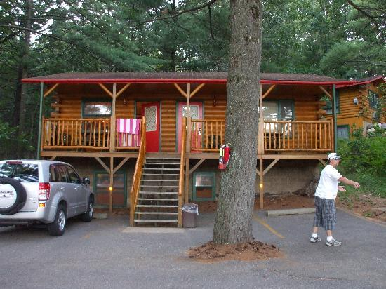 Meadowbrook Resort: here's the cabin we got
