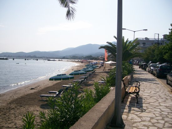 Roda, Greece: beach across from afroditi hotel