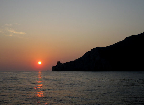 Sunset from boat returning to Sorrento