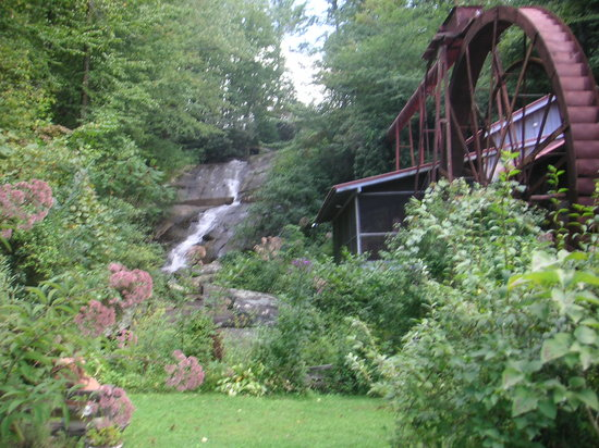 ‪Historic Sylvan Falls Mill Bed and Breakfast‬