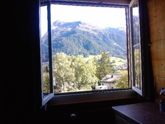 morgenessen bild von jugendherberge klosters klosters tripadvisor. Black Bedroom Furniture Sets. Home Design Ideas