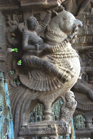 Kanchipuram - Sculpted figure Varadaraja Perumal temple