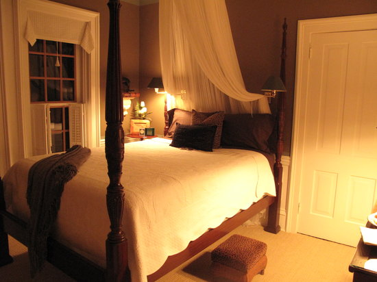 Winfield Bed and Breakfast: Our room - the Crow's Nest