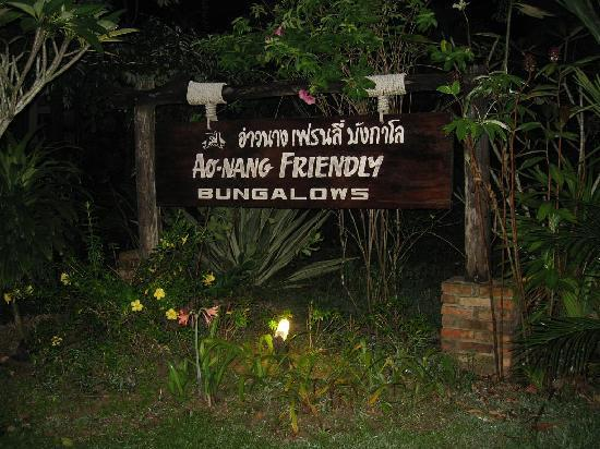 Ao Nang Friendly Bungalow: Sign on the way in