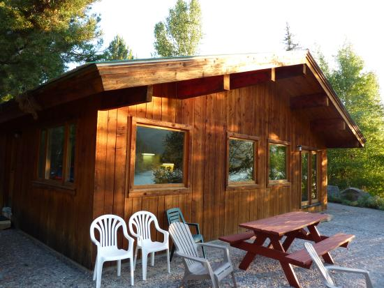 Budges' Slide Lake Cabins: Cabin #2 Exterior