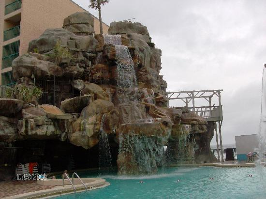 Days Inn Panama City Beach/Ocean Front: Hot tub and pool