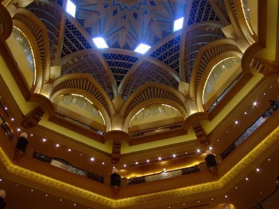 Abu Dhabi, Emirates Palace