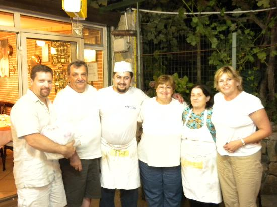 Agerola, Italien: Us with our new favorite chef and his wonderful &quot;Little Mama&quot;