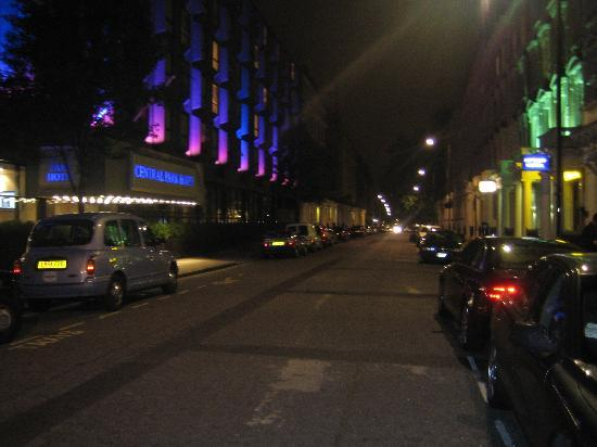 Hotel street night picture of queens park hotel for 48 queensborough terrace london w2 3sj