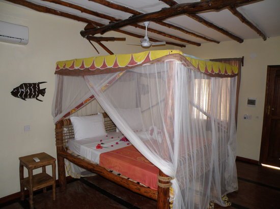 Samaki Lodge &amp; Spa: Camera da letto