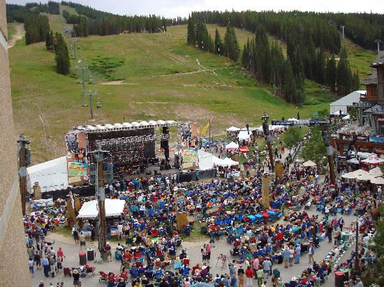 Copper Mountain Resort: Copper CountryFest from 5th floor Mtn. Plaza balcony