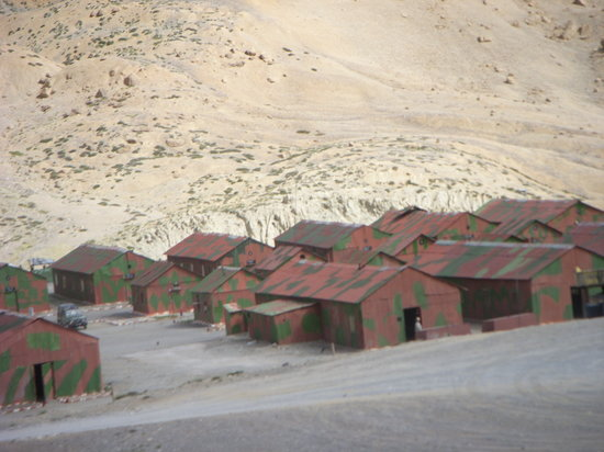 Hoteles en Leh