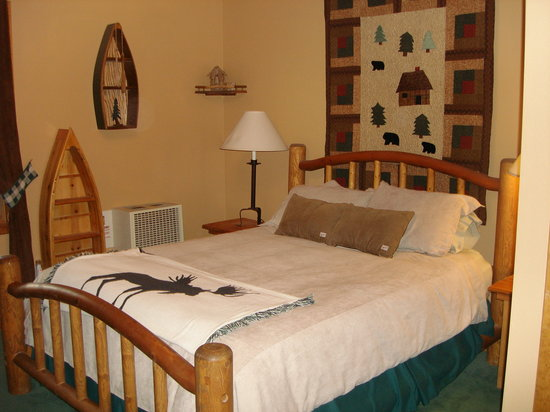 Abineau Lodge B and B: Room #5