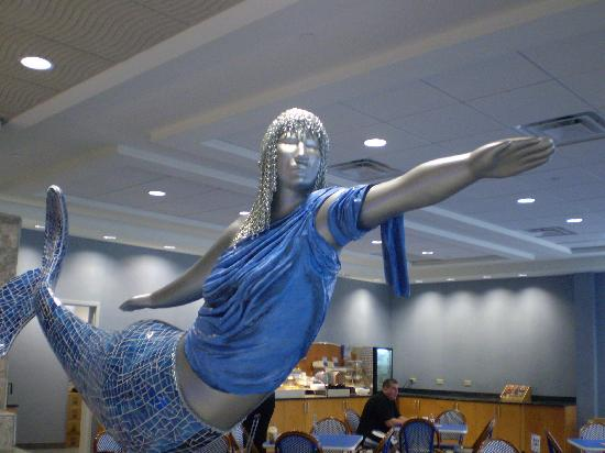 Holiday Inn Express Hotel & Suites Norfolk International Airport: Mermaids in the Lobby!
