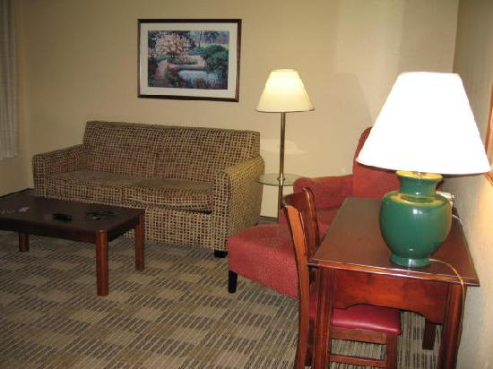 Extended Stay America - Portland - Beaverton - Eider Court: King SUITE living room area