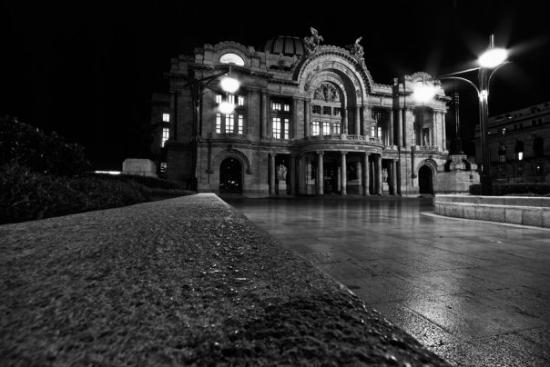 Мехико, Мексика: Taken at night with a small tripod before security approached and stopped me from more shots.