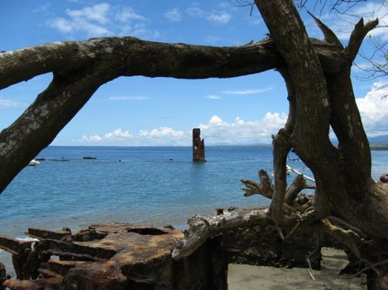 Honiara, Solomon Islands: Ship wreck