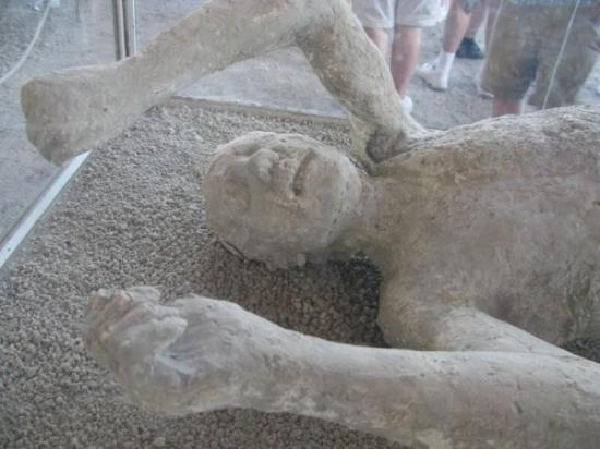 Ancient Pompeii Photo: Pompeii - I see dead people - Really!