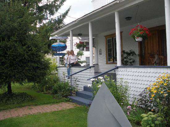 B&B Vert Le Mont: Linda and Jay -- great hosts