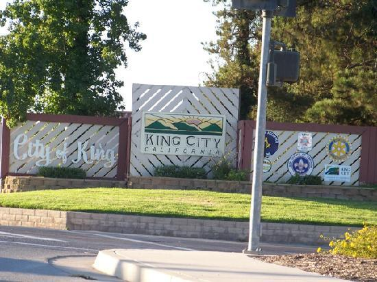Courtesy Inn: King City, Off freeway