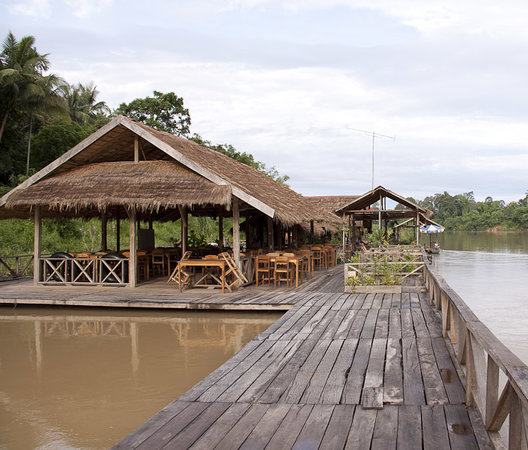 Rivertime Resort and Ecolodge: Rivertime Resort Floating Restaurant