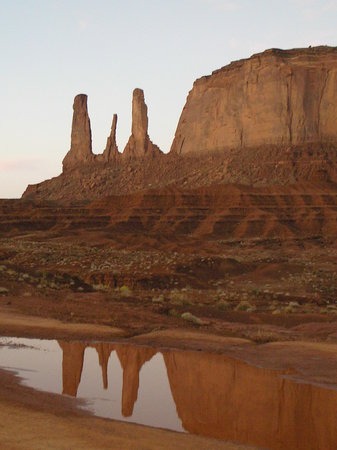 "Monument Valley, Юта: The ""Three Sister's."""