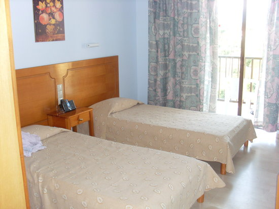 Photo of Gikas Aparthotel Gouvia