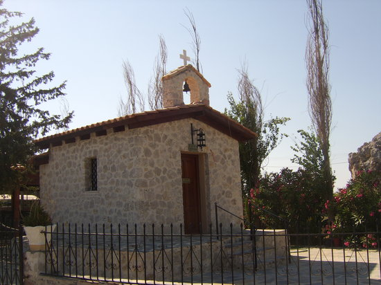 Kolimbia, Grecia: small church outside hotel
