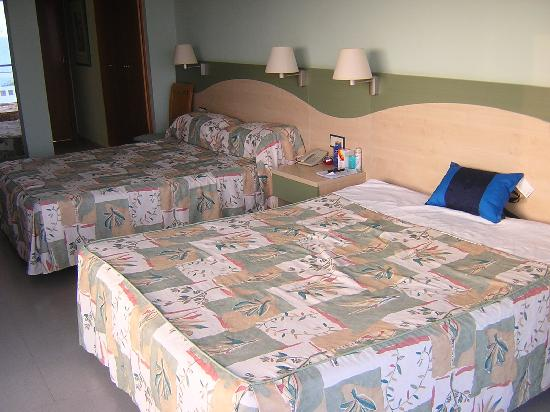 Caprici Verd: Twin Bed Room