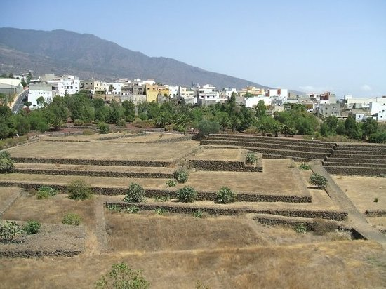 Los Cristianos, Spagna: View of Pyramids