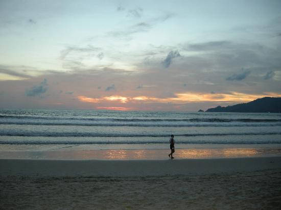 Impiana Resort Patong Phuket: Patong Beach Sunset