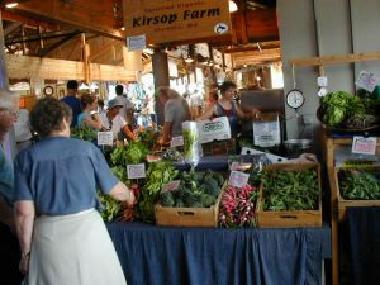 Farmer's Market - the best way to get fresh and local produce!
