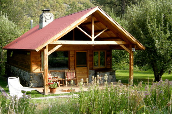 "Garland's Oak Creek Lodge: Cabin ""G"""