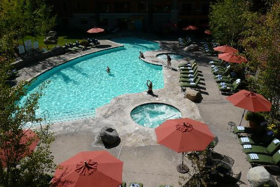 Marriott Grand Residence Club Tahoe: Pool in courtyard